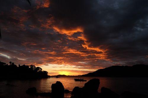 madagascar sunset nosy comba