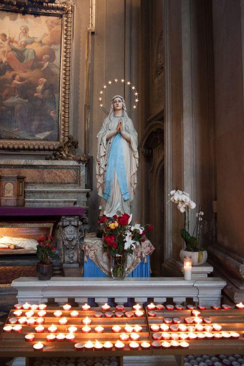 madonna maria church