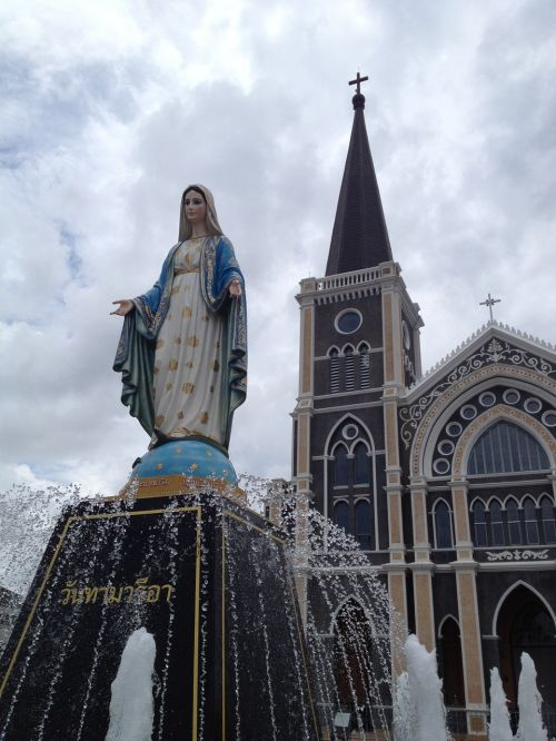 madonna christianity chanthaburi