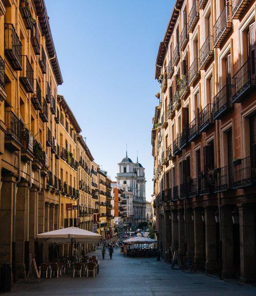 madrid calle toledo architecture
