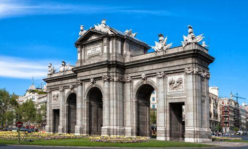 madrid monument puerta de alcalá
