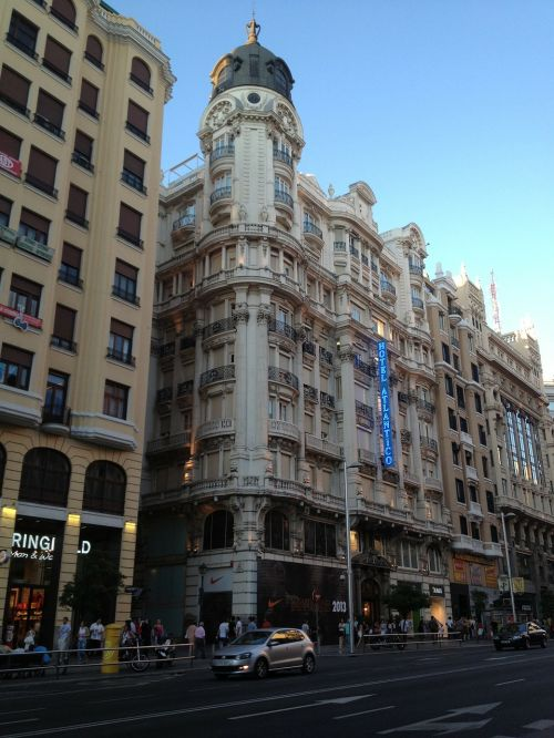 madrid gran vía building