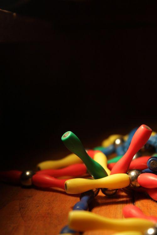 magnet colors elements