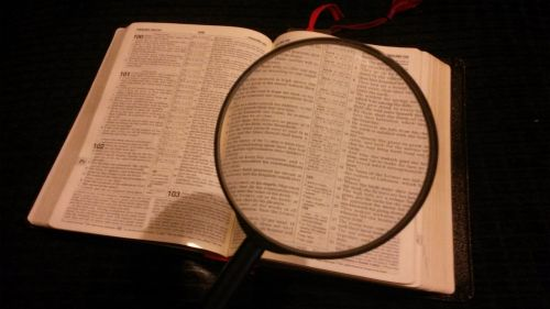 magnifying glass magnified magnifying