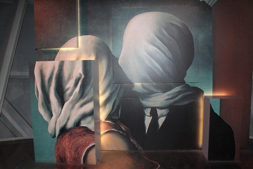 magritte  painting  couple