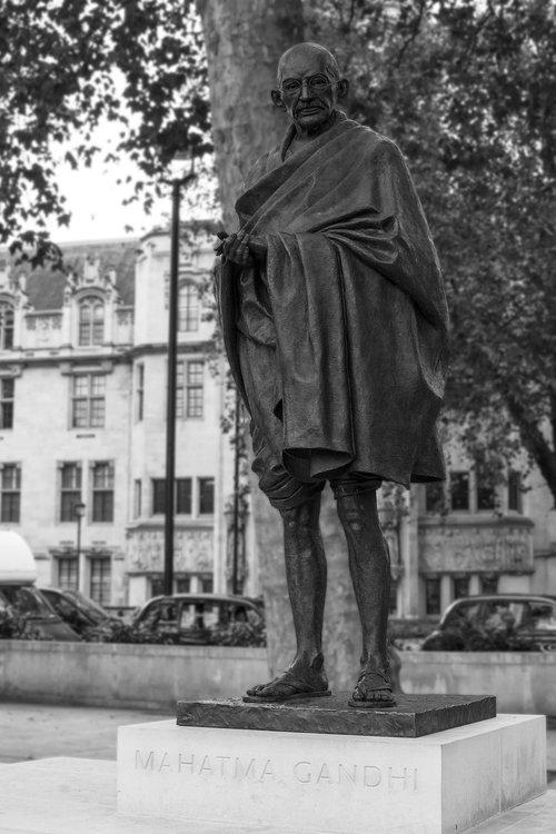 mahatma gandhi  parliament square  westminster