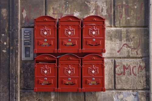 mailbox rome newspaper
