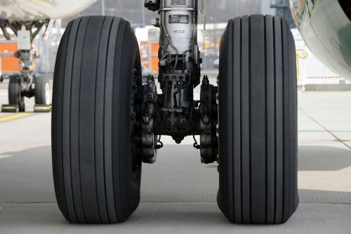 main landing gear aircraft wheels