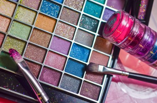 makeup girls power