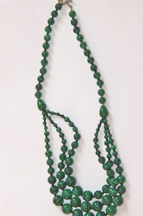 malachite necklace gems