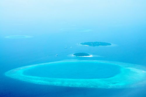 maldives island blue