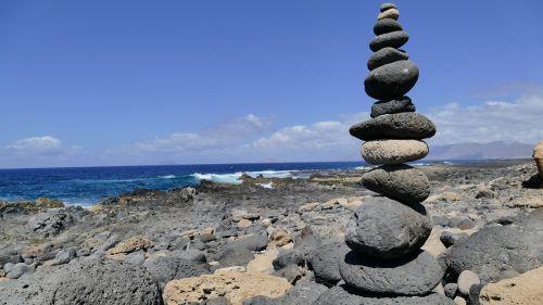 males stones sea