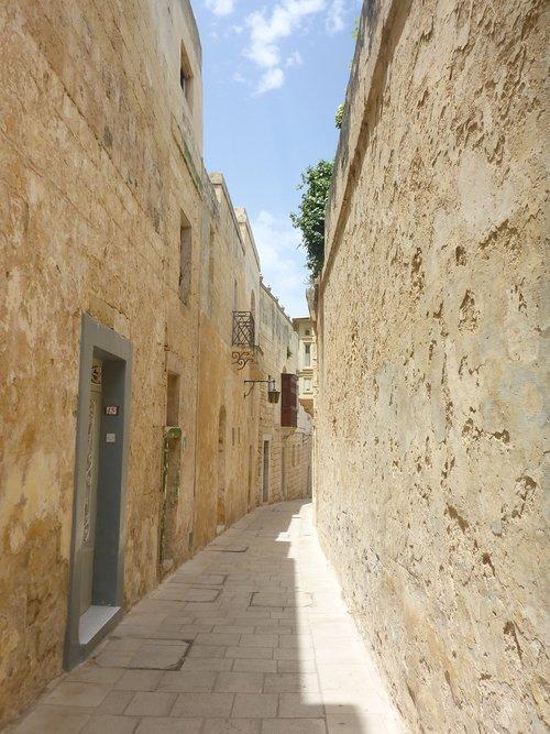 malta  alley  city