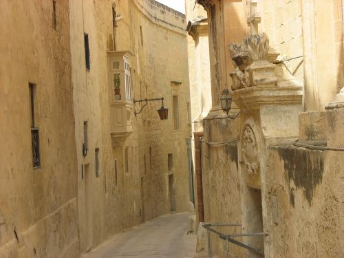 malta alley house