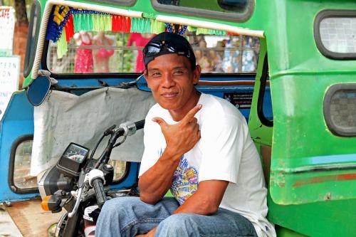 man tuktuk filipino