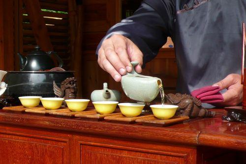 man hands tea