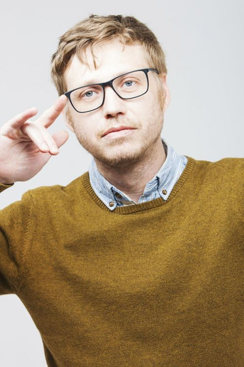 man startup glasses
