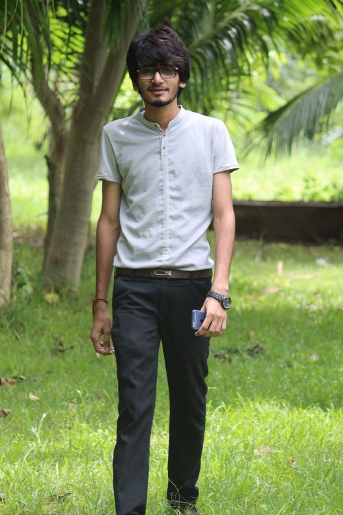 man,boy,handsome,portrait,green,nature,style,fashion,background,colors,zoom,walking style