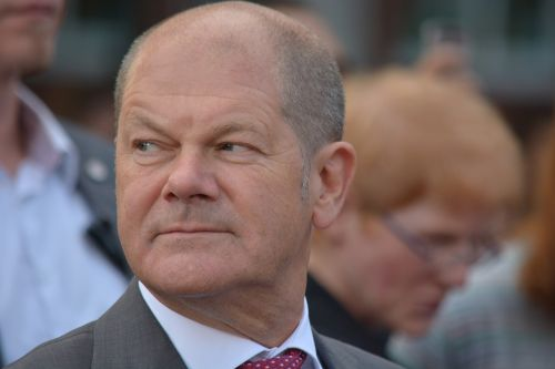 man politician olaf scholz