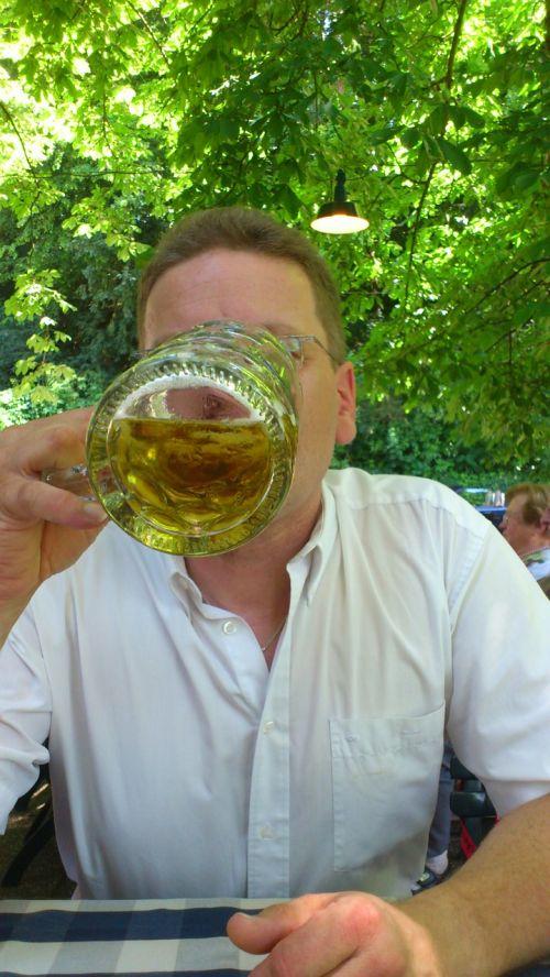 vyras,troškulys,gerti,asmuo,alus,Krug,alaus puodelis,troškulio gesintuvas,alaus sodas,bavarija