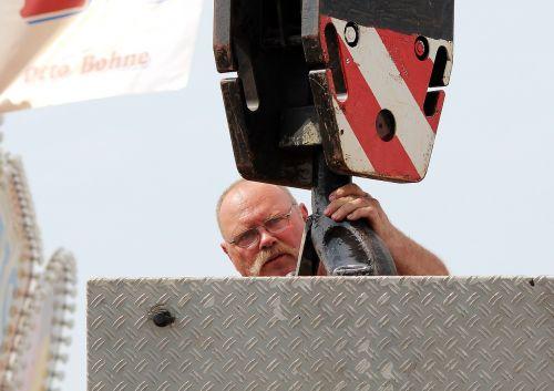 man load crane hook