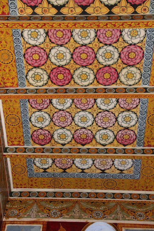 mandala,šventyklos kompleksas,šventyklos lubos,ornamentas