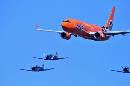 Mango 737 Jet And Silver Falcon