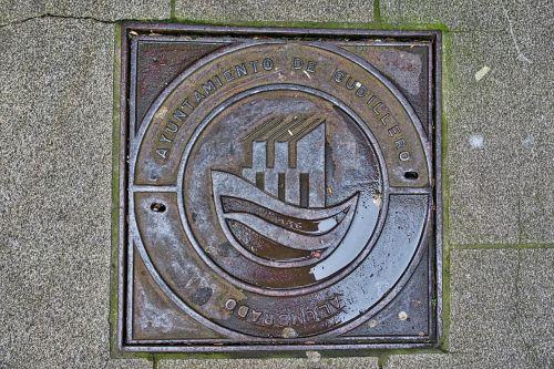 manhole metal symbol