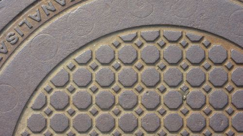 manhole cover cast iron octagons
