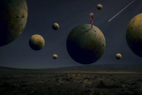 manipulation  spherical  woman