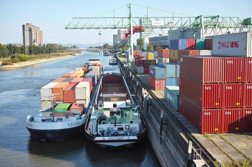 mannheim  port  ships