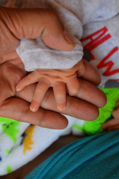 mannitol bebe hand