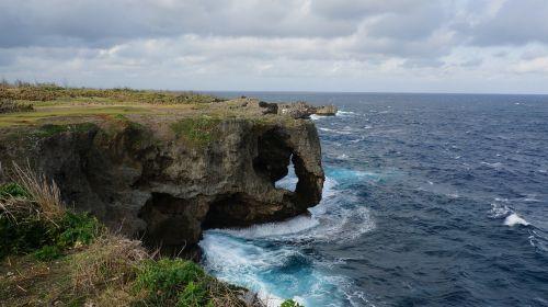 manza-mo cliff beach