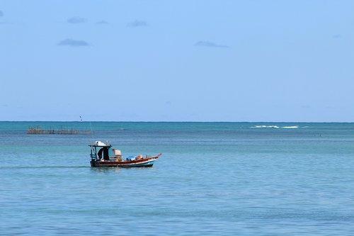 mar  boat  northeast