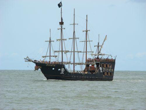 mar pirates ship masts