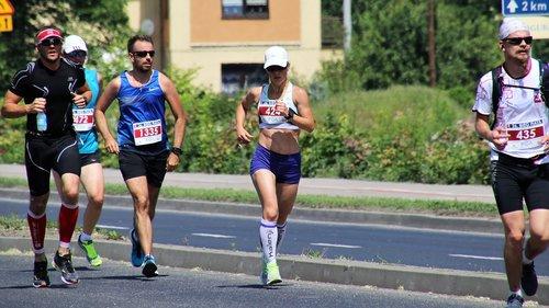 marathon  street  active