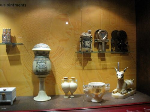 Marble Containers And Decorations