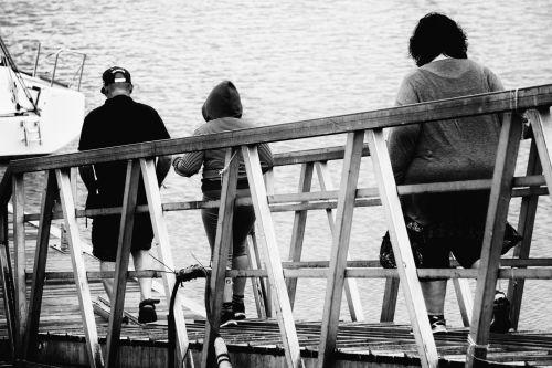 tiltas, žmonės, metalas, juoda & nbsp, balta, vaikščioti, vaikščioti ant tilto