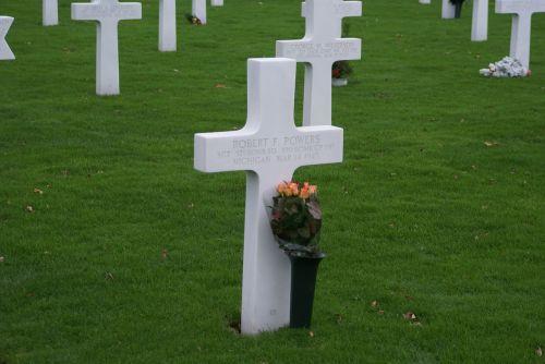 margraten cemetery commemorate