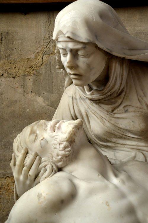 maria  jesus  suffering