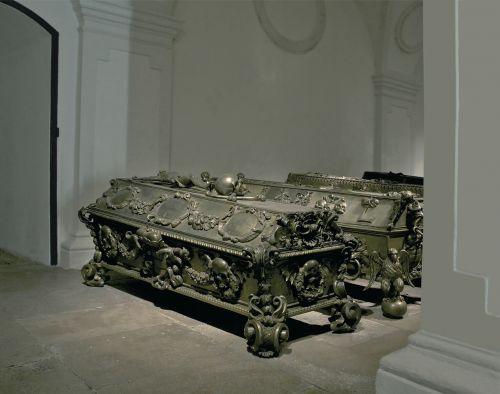 maria theresia sarcophagus kaisergruft