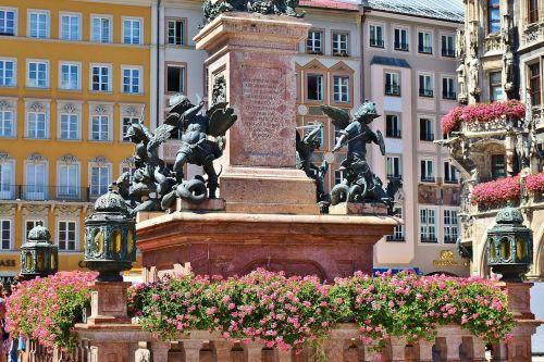 marienplatz munich marian column