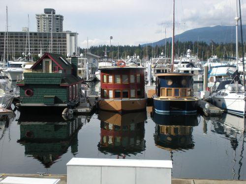 marina residence boat