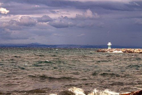 marine  tower  cloud