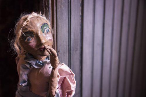 marionette puppet string
