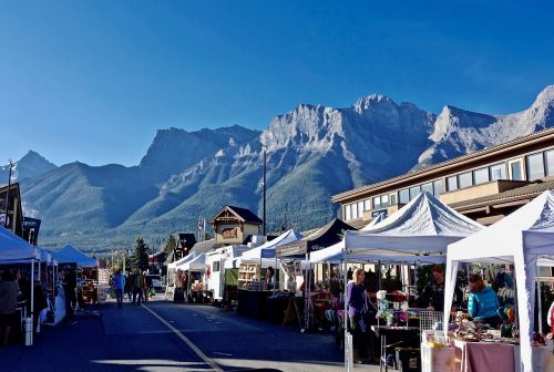market street mountains