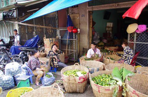 market saigon mekong