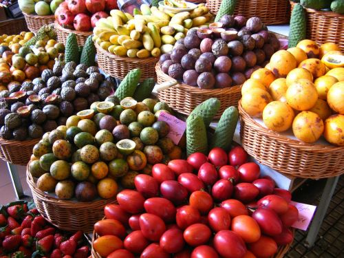 market fruits colorful