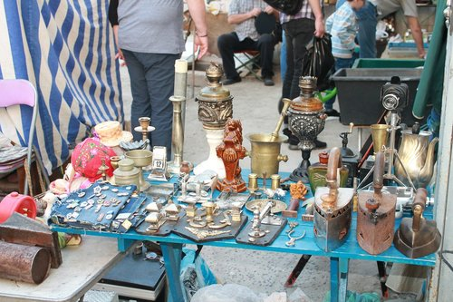 market  flea market  old things