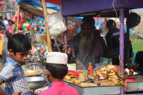 market  people  sell